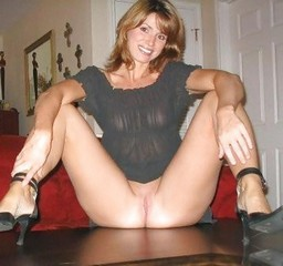 Private gallery of naked housewives #6